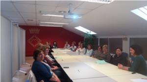 ser 300x169 - El Consell Comarcal forma les treballadores socials dels Serveis d'Atenció a Domicili Municipals