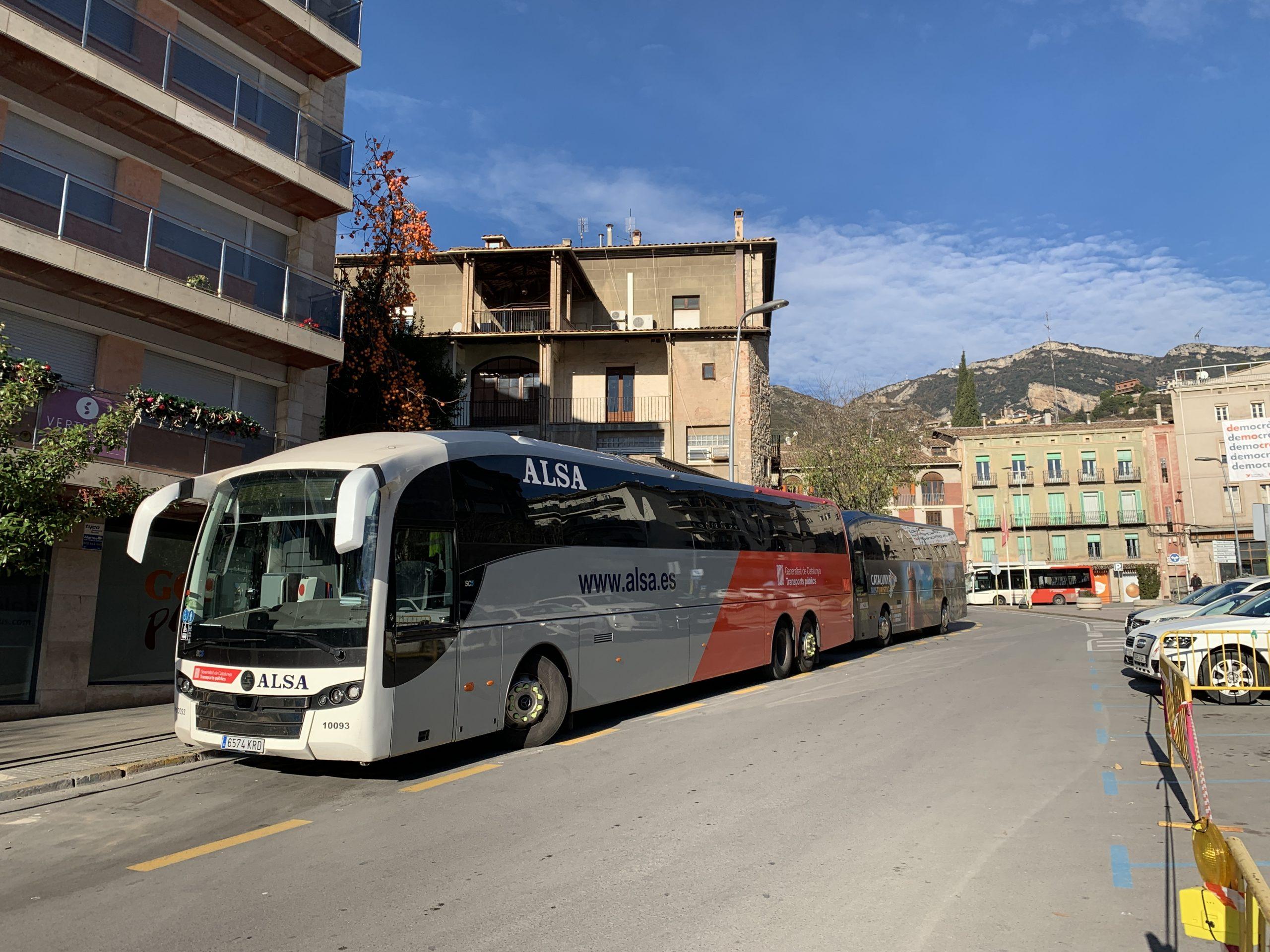 Un bus a la parada de Berga